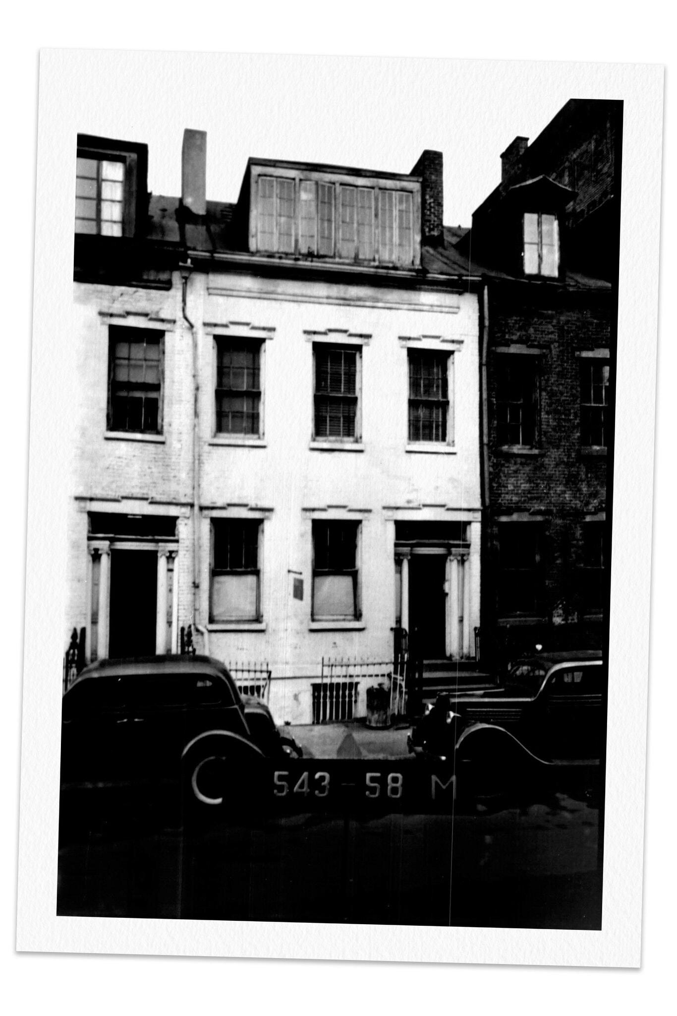 Adams's Greenwich Village tearoom, Eve's Hangout, photographed in 1939.