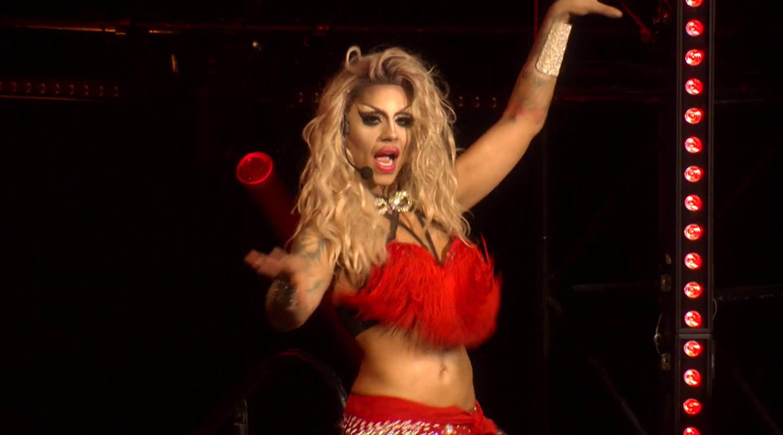 Yara as Shakira.
