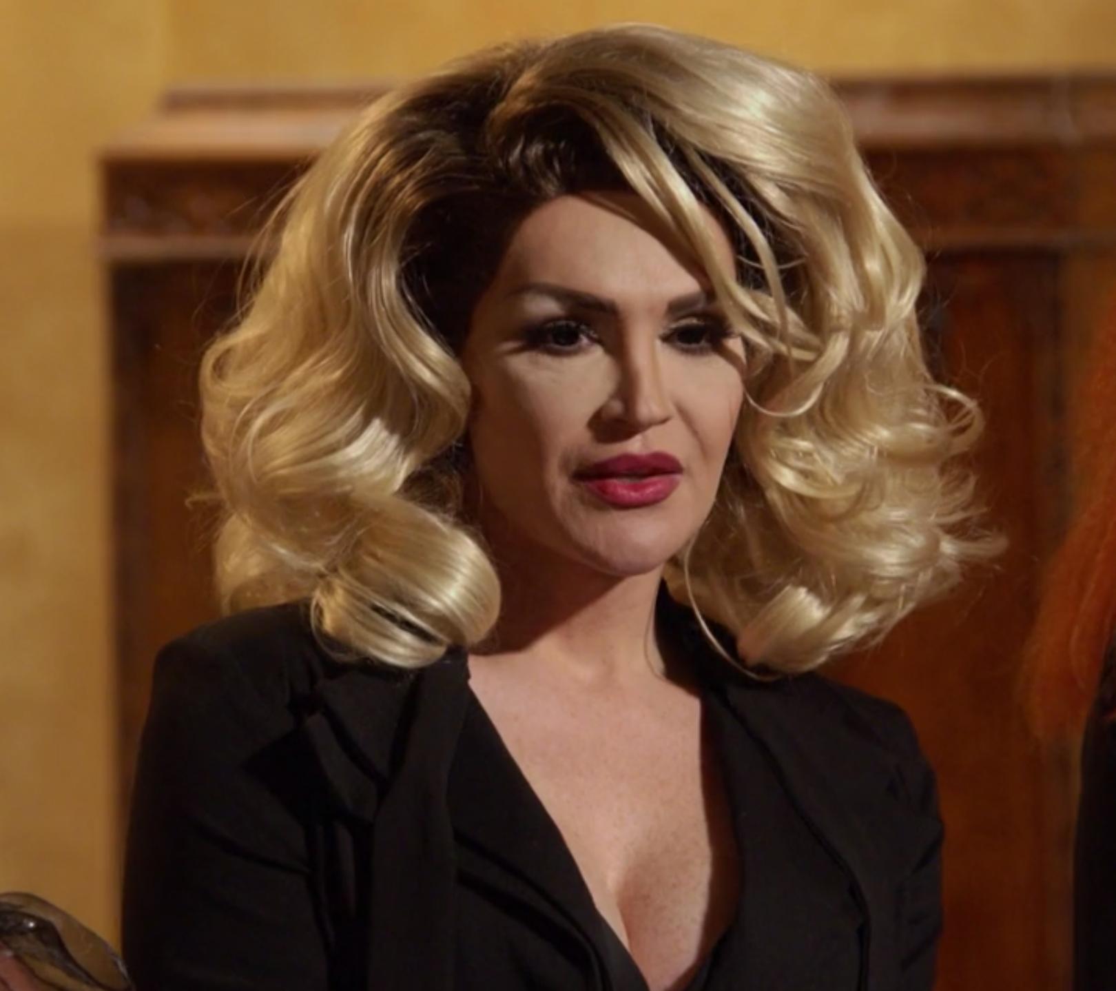 Kylie as Jessica Lange.