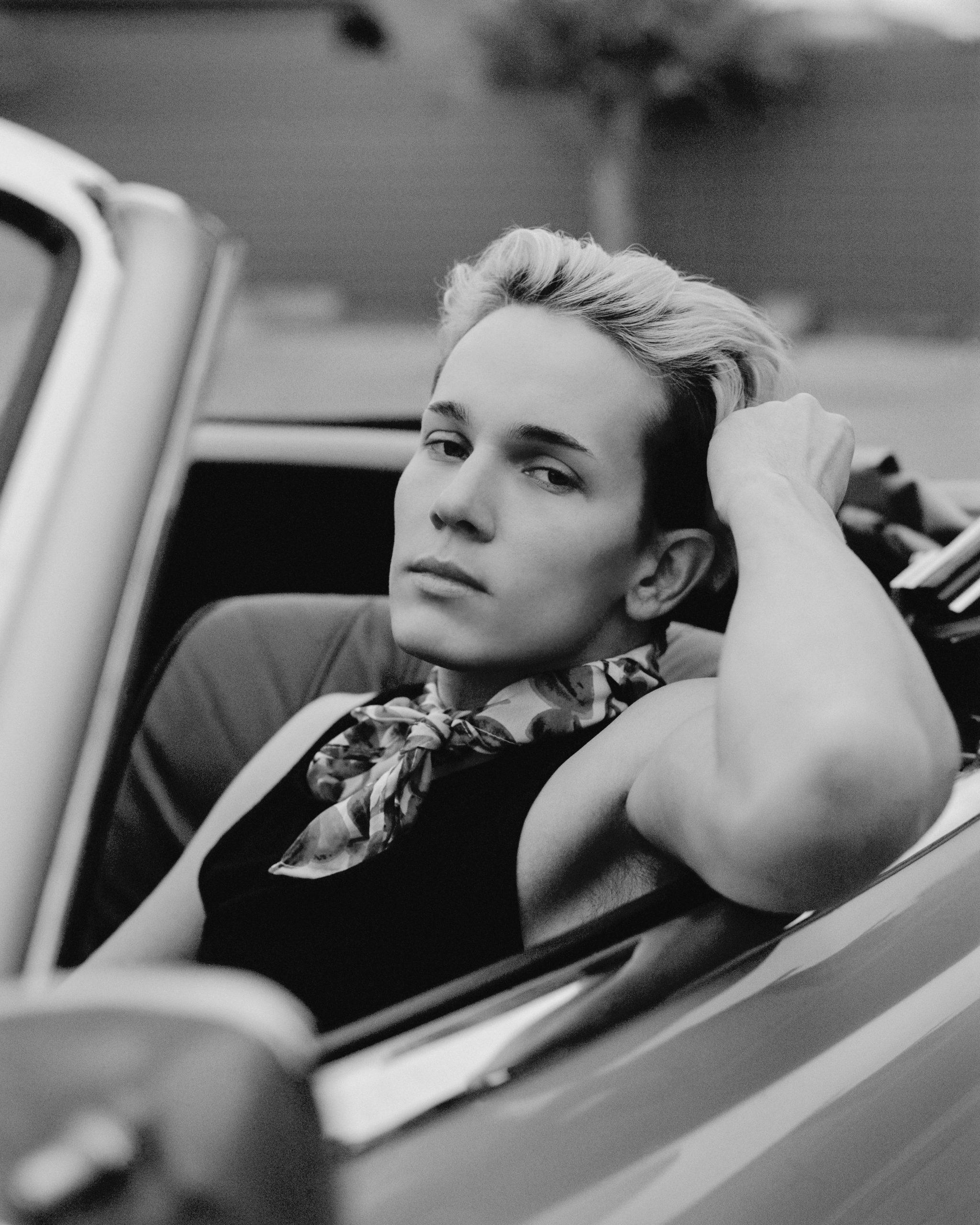 McKenzie in a car.